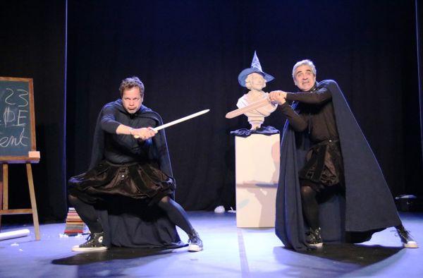 Tout Shakespeare en 80 minutes ... et � deux!